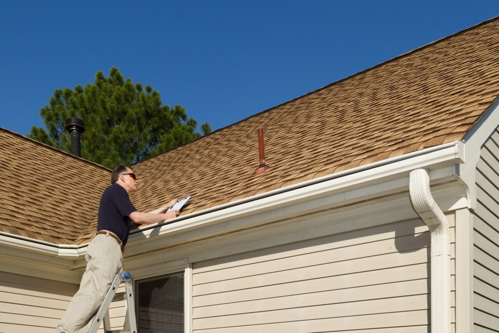 roof inspection in Florida